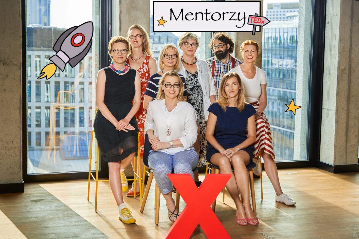 Zespół mentorów 2019 - 8 osób pozujących z X